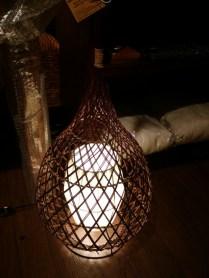 シンプルにバンブーを編みこんで作ったアジアンランプ