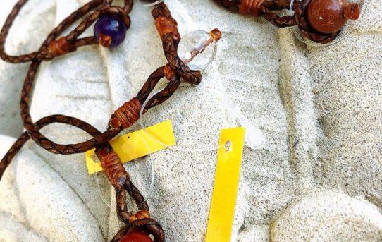 オリジナルアクセサリー 本革とお好きな天然石で作るブレスレット
