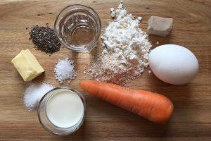 Gulerodsboller med kærnemælk og chia