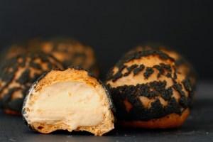 Halloween vandbakkelse med abrikoscreme choux au craquelin Bagvrk.dk