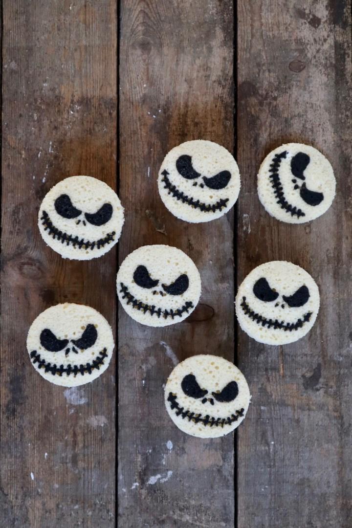Jack Skellington som indbagt pynt på gulerodsmuffins Halloween Bagvrk.dk
