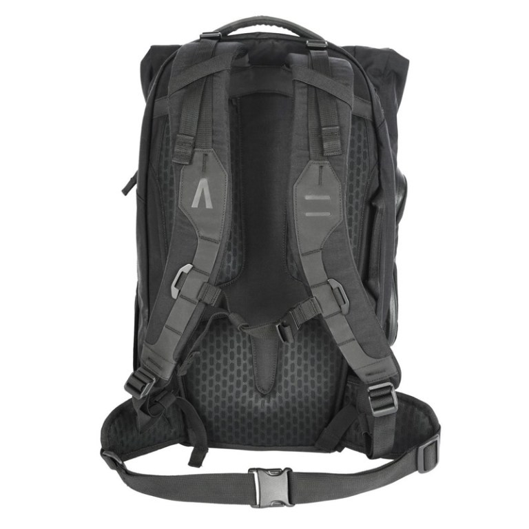 A very seriously built pack