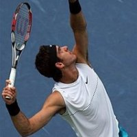 Del Potro wins a tie breaker to beat Roddick.