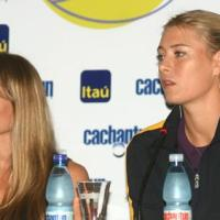 Sharapova and Dulko in Chile for an exhibition.