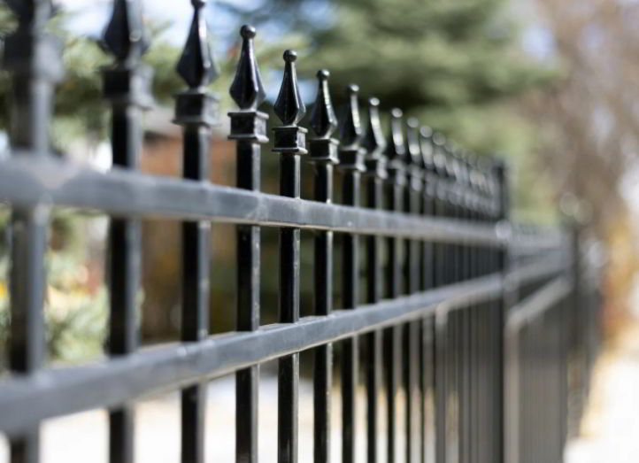 Traditional Styled Metal Picket Fencing Design