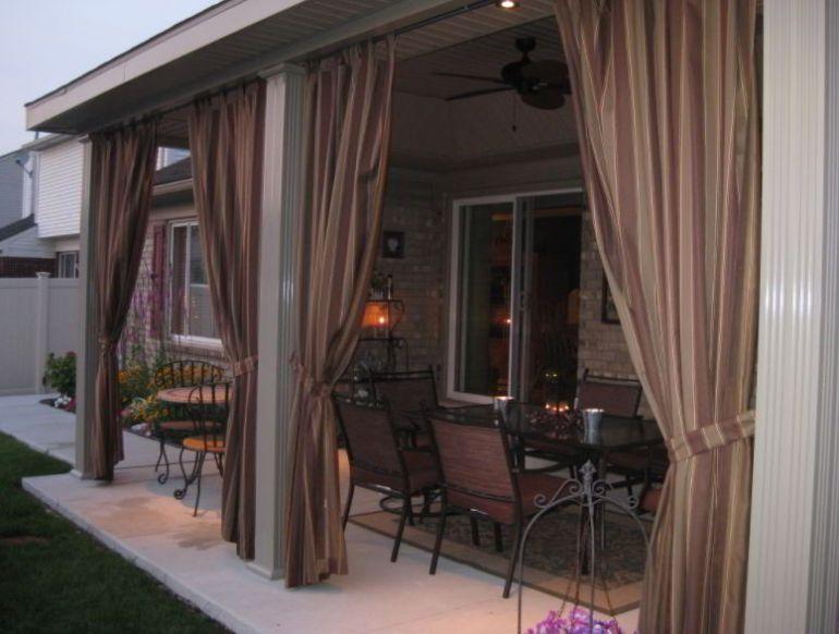 Walnut stripe curtain concept