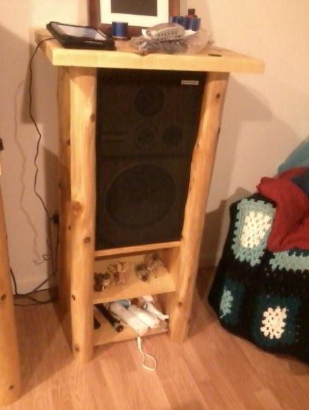 Farmhouse Speaker Stand Ideas
