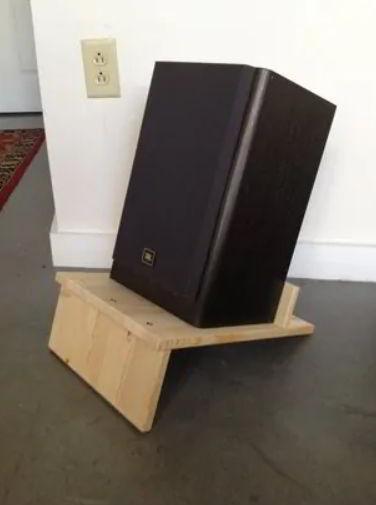 Wooden Speaker Stand Concept