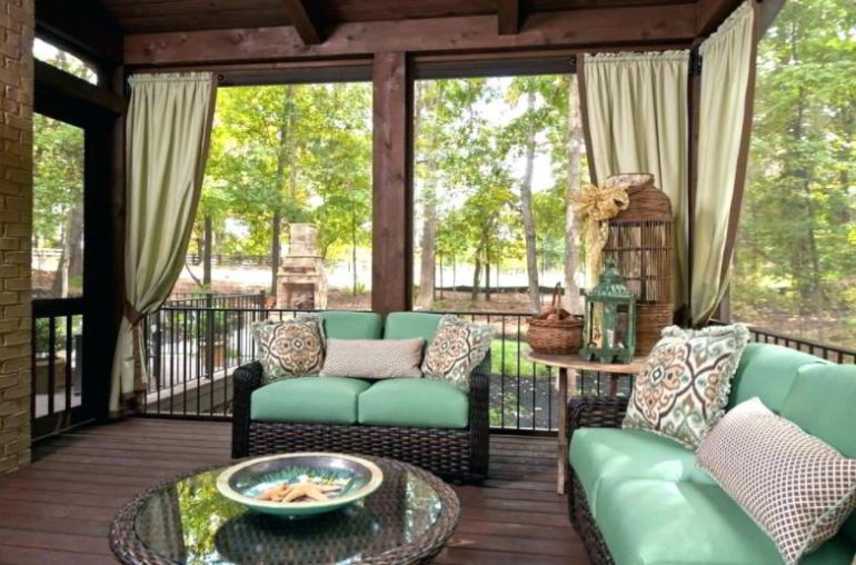Curtain for deck furniture