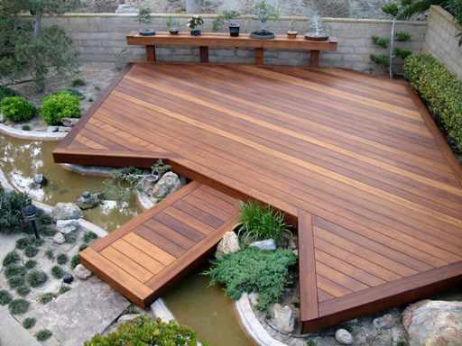 decking dekat sungai