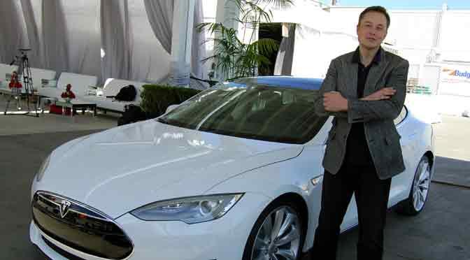 ¿Será Elon Musk, el creador de Tesla y SpaceX, el nuevo Steve Jobs que necesita Apple?