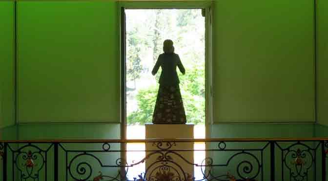 Evita en el balcón de un palacio de Córdoba
