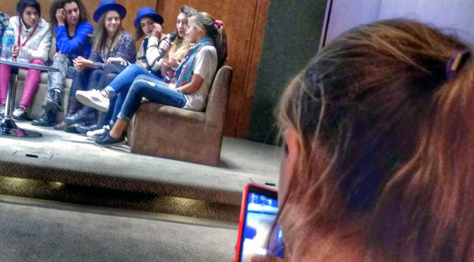 «Chicas en tecnología» enseñan a programar «un mundo mejor»