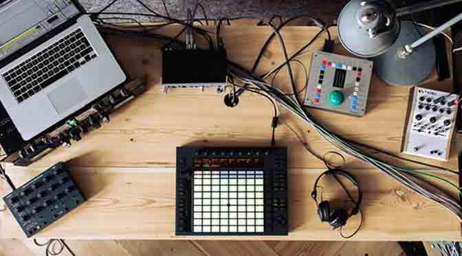 Taller en Espacio Pla sobre warping a partir de Ableton Live