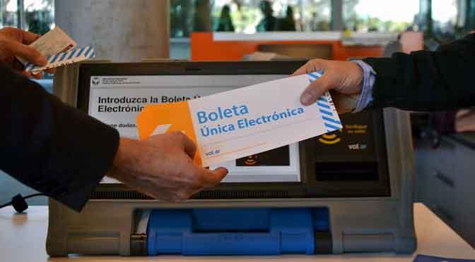 Busaniche: «El voto electrónico es el peor ataque al sistema democrático desde 1983»