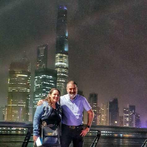 Con Janelle Garrett. Shanghai, China, abril.