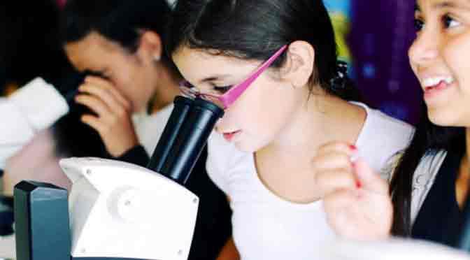 «Infinito por descubrir» llega a Posadas con un nuevo centro de innovación educativa