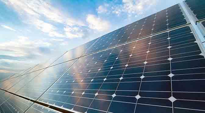 Exo capacita en instalación de paneles solares