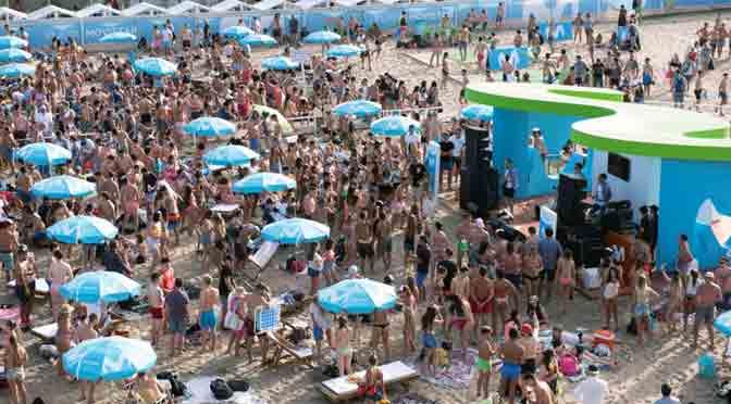 Movistar abre su parador en Playa Grande, Mar del Plata
