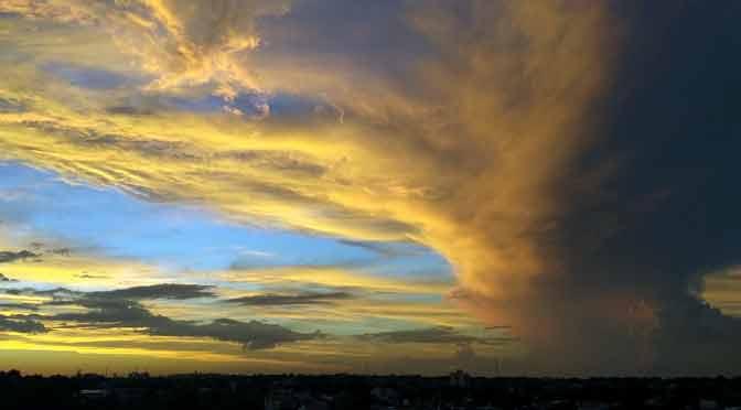 Atardecer y nubología en Olivos, Buenos Aires