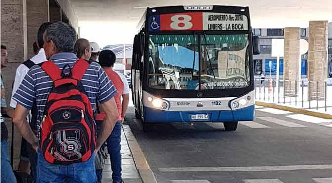 ¿Cómo ir de Buenos Aires al aeropuerto de Ezeiza en transporte público?