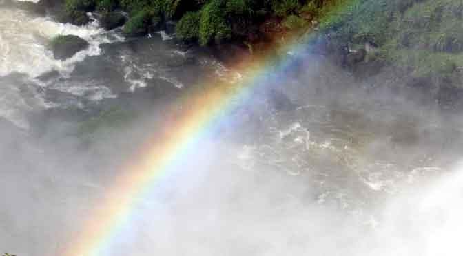 Los arcoíris en las cataratas del Iguazú