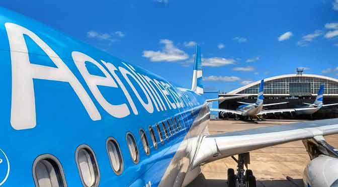 Aerolíneas Argentinas renueva su «app» y amplía servicio de «courier»