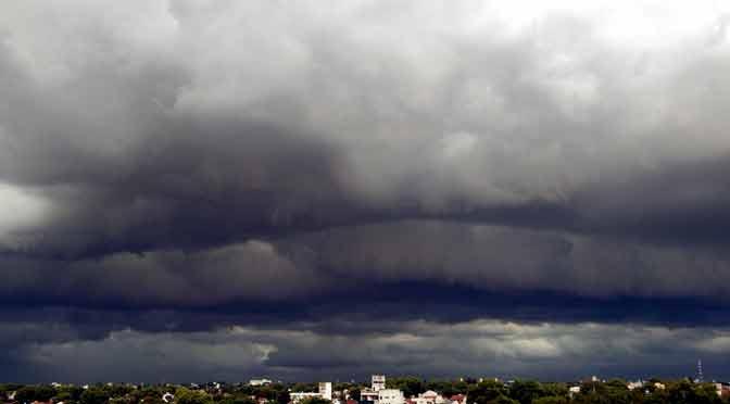 Nubología tormentosa en Olivos y La Lucila, desde un Moto G7 Plus