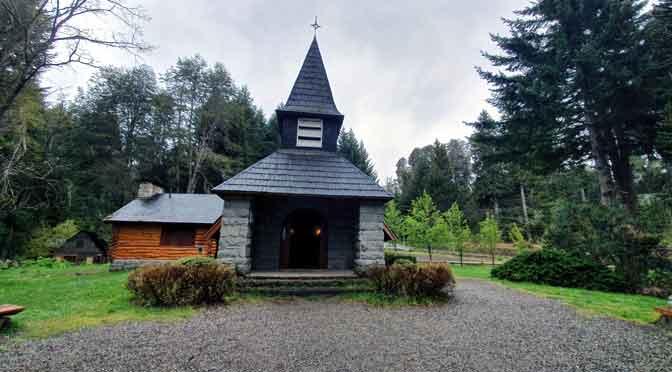 La capilla de cuento escandinavo de Villa La Angostura