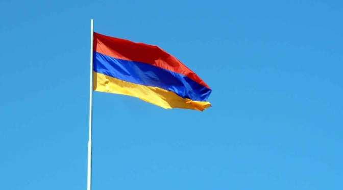 Jóvenes argentinos piden por la paz ante ataques de Azerbaiyán sobre Armenia