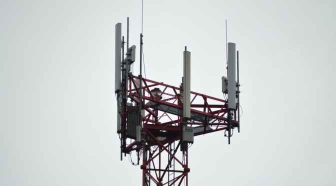Antenas de telefonía móvil no representan riesgos para la salud
