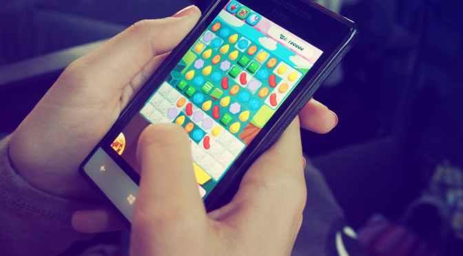 Jugadores móviles pasan más de 4 horas al día en su celular
