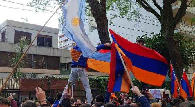 Guerra entre Armenia y Azerbaiyán: actos en Buenos Aires por paz