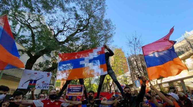 Marcha armenia en Buenos Aires por paz en Artsaj, en 265 fotos