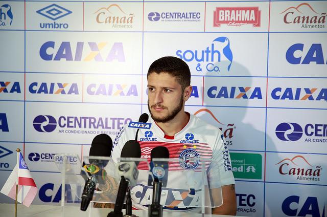 Bahia oficializa contratação de Paulo César Carpegiani — Contrato assinado