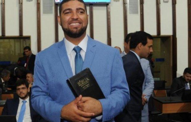 imagem_noticia_1 Assessor de Isidório é assassinado em Candeias