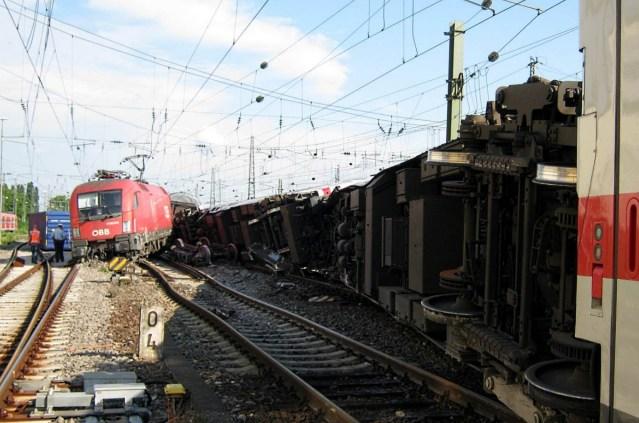 Der Lokführer eines Güterzuges überfuhr mehrere rote Signale. Die Folge: Am 1. August 2014 kam es im Mannheimer Hauptbahnhof zu einer Zugkollision. (Quelle: EUB)