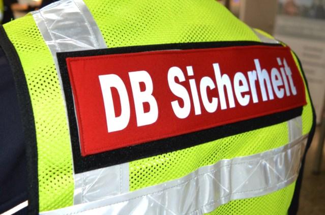 DB Sicherheit auf Weste (Foto: © Bahnblogstelle)