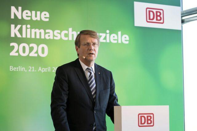 Ronald Pofalla, Vorstand Wirtschaft, Recht und Regulierung, stellt in Berlin die neuen Klimaschutzziele der DB für 2020 der Presse vor. (Foto: © Pablo Castagnola / DB AG)
