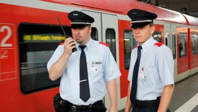 Fachkraft für Schutz und Sicherheit der Deutschen Bahn (Foto: © DB AG / Jürgen Brefort)