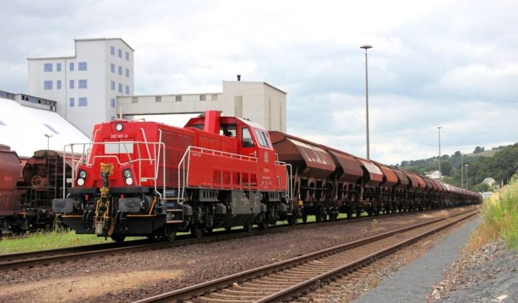 Symbolbild: Lokomotive des Typs Voith Gravita 15L BB (Baureihe 1265) bei DB Cargo. (Foto: © DB AG / Wolfgang Klee)