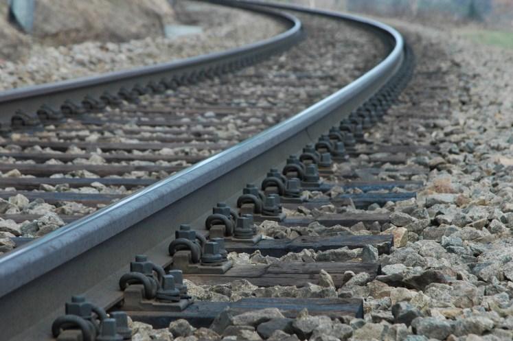 Symbolbild: Gleis eines gesperrten Streckenabschnitts. (Foto: © zb / Pixelio)