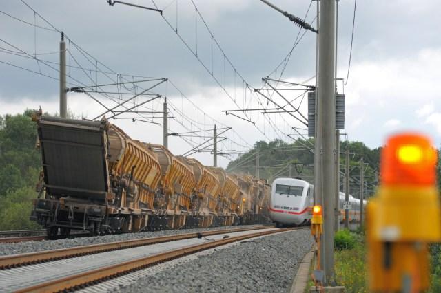 Symbolbild: Gleisbauarbeiten im Schienennetz der Deutschen Bahn. (Foto: © DB AG)