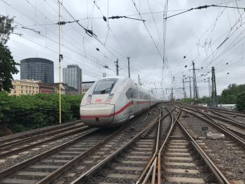 Am 6. Juni 2019 riss der hintere Stromabnehmer von ICE 1113 bei der Einfahrt in den Dortmunder Hauptbahnhof ab. Foto: © Bundespolizei