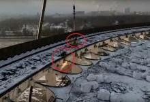 """Photo of """"لم يلحق بحياته"""".. فيديو مروِّع للحظة الانهيار الكبير لملعب روسي"""