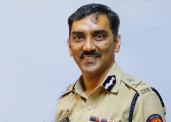 pune-police-commissioner-amitabh-gupta-give-punishment-to-3-sr-police-inspector