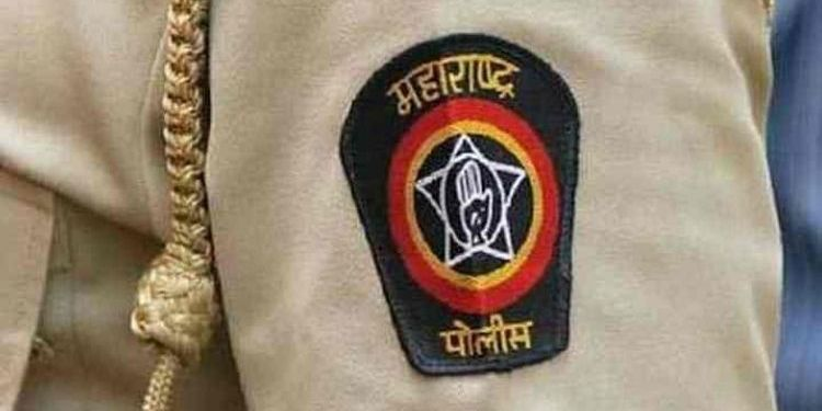 woman-suicide-trying-front-of-sangli-city-police-station