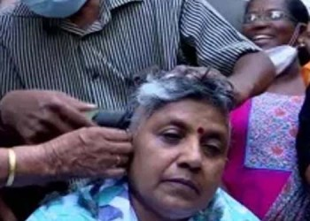 kerala assembly elections 2021 party did not give ticket congress woman president shaved her head