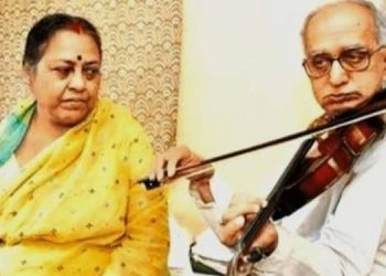 kolkata-77-year-swapan-sett-played-violin-for-17-years-to-raise-funds-for-wife-cancer-treatment/