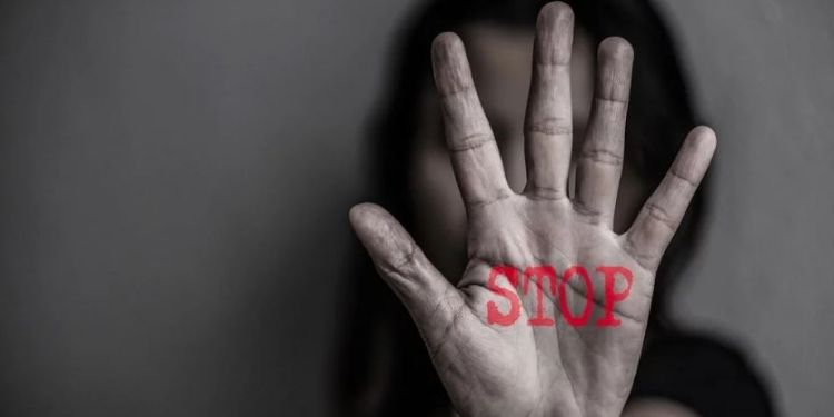 pune-22-year-old-girl-molested-in-company-fir-against-both-with-hr